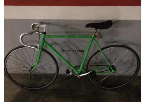 Bicicleta fixie por portátil