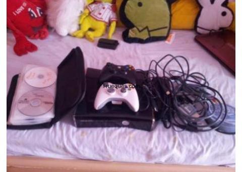 Xbox360 slim 2 mandos + hdmi + 70 juegos